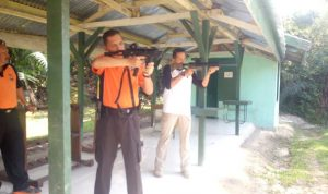 Latihan-menembak-kapolres-kampar-riau-2018